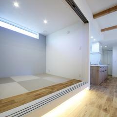 リビング横の小上がりの和室