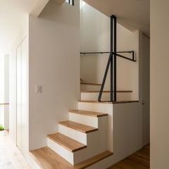アイアン手すりの階段