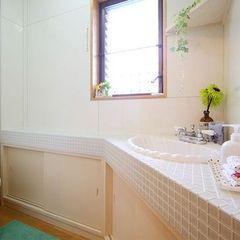 洗面台が可愛い清潔感のあるトイレ