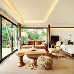 リゾートのような贅沢を感じられる寝室
