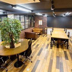 都会のオフィスビルのワンフロアを贅沢にリノベーション