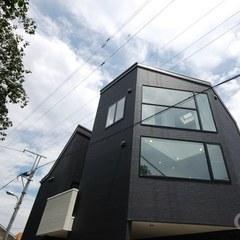 角地に建つクールな家