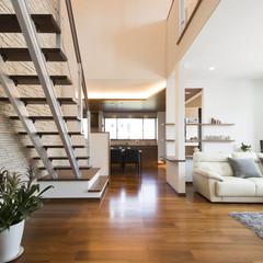 前橋市鳥取町のデザイナーズ住宅でストリップ階段のあるお家は、クレバリーホーム 前橋店まで!