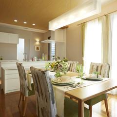 三島市塚原新田のパネル工法 2×4(ツーバイフォー)の家で長持ちする塗装のあるお家は、クレバリーホーム 三島店まで!