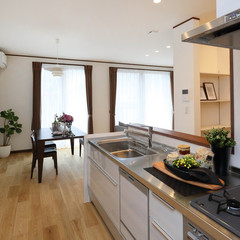 宇和島市御幸町のリゾートな外観の家で広々した屋根裏部屋のあるお家は、クレバリーホーム 南予店まで!