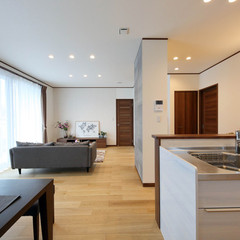 宇和島市山際のシンプルな外観の家でオシャレなダイニングのあるお家は、クレバリーホーム 南予店まで!