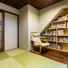 和室に本棚 デザイナーズ住宅