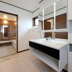 浜田市弥栄町大坪のアジアンな外観の家でスペースを活かした階段下収納のあるお家は、クレバリーホーム 浜田店まで!