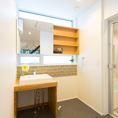 TRETTIO PLUS 洗面所 タイルがかわいい トレッティオ 櫻井建設 明るい洗面所