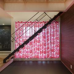 畳スペース ちょっと下がった所にある畳スペース ゴロっとしたくなる マリメッコカーテンがかわいい (株)櫻井建設