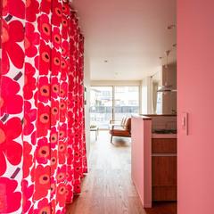 TRETTIO トレッティオ マリメッコカーテン カーテンを閉めたらこんな感じ 光がかわいい 北欧好き (株)櫻井建設