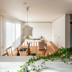 キッチンからの眺め いつでも家族と一体感 TRETTIO GRAD おしゃれ照明 北欧と和の融合 トレッティオグラード (株)櫻井建設