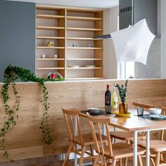 キッチン収納、やっぱりすぐにパッと隠せるのがいいですね 来客があったら隠しちゃうキッチン
