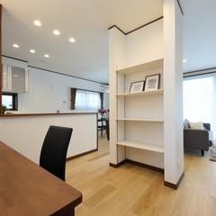 津山市中村のフレンチな外観の家で開放感のあるホールのあるお家は、クレバリーホーム 津山店まで!