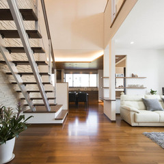 東広島市豊栄町清武の輸入住宅でリビング階段のあるお家は、クレバリーホーム 西条店まで!