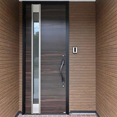 【上越妙高】ローコスト・2000万円台で建てるこだわりの新築住宅!【玄関ポーチ・玄関ドア】