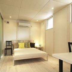 山際建設の白を基調としたデザイン住宅