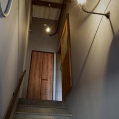 K-industrialデザインよりガレージアパート階段