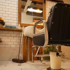 K-Industrialよりフルリノベーションした美容室「sun&me」