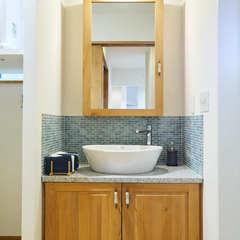 モザイクタイルが美しいナチュラルで快適な洗面所