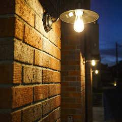 ライトアップして楽しむレンガの家