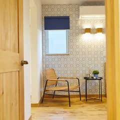 北欧スタイルで心癒される空間&ブルー系でまとめられた快適な寝室