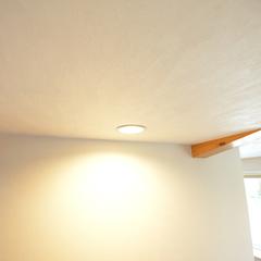 室内をおしゃれに照らすシンプルなダウンライト