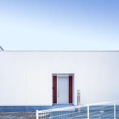 外観/ホワイト×木目/高知県で家を建てるならウッドスタイル株式会社