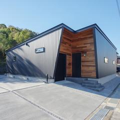 外観/レッドシダー/ガルバリウム/平屋/BAW STANDARD/高知の注文住宅はウッドスタイル