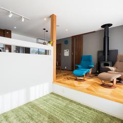 暖炉がある家/ステップダウンフロア/高知の自然素材の家ウッドスタイル株式会社