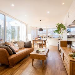 モデルハウスリビング/高知の注文住宅はウッドスタイル株式会社