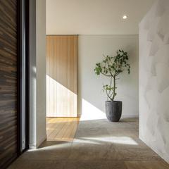光溢れる玄関