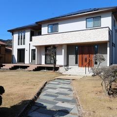 静岡市清水区 庭を眺めて暮らすラグジュアリーな大人空間を演出した2世帯住宅の家