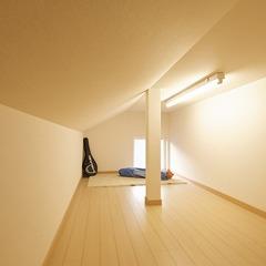 無垢床、無垢格子 ナチュラルデザインの家