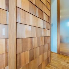 立体感のある板張りが印象的なお家/新居浜市「由と祥雲の家」