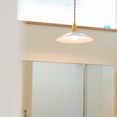 優しく光の広がるペンダントライト/新居浜市「由と祥雲の家」