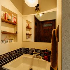 タイルがおしゃれな造作洗面台/四国中央市「紅と真果の家」