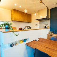 子育て世代に嬉しい、キッチンからLDKを見渡せる間取り。/西条市「慕と成就の家」
