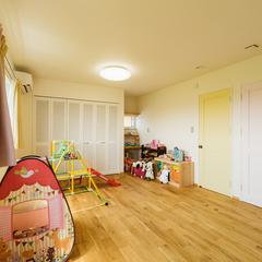 パステルカラーの建具がかわいい子供部屋/丸亀市「遭と孝心の家」