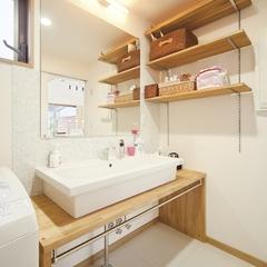 社員大工お手製の造作洗面台