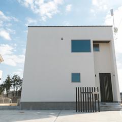 アトリエ建築家によるシンプルモダンの住宅