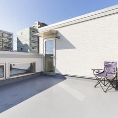 屋上バルコニーのある2階リビングの家
