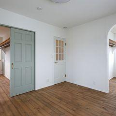 クローゼットを多くしたお家。居室ごとにカラーもハウスカでご提案しました。
