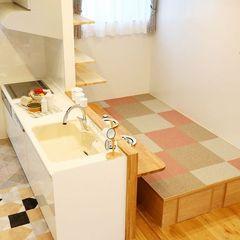 ハウスカでつくるスペースを有効活用した小上がり畳のダイニング。