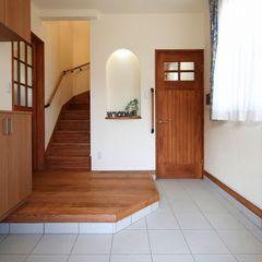 お家で最初のスペースでもある玄関を広く作ったハウスカの施工事例。