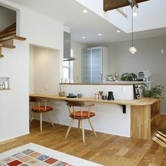 自然素材でつくるいわき市のハウスカの家はキッチンカウンターもオシャレにします。