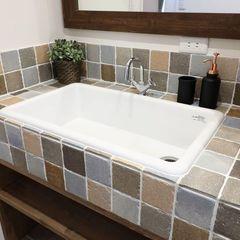お気に入りのタイルで作る造作洗面はいわき市のハウスカにお任せください。