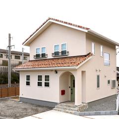 瓦・塗り壁の家が得意なハウスカ。色の組み合わせでご自身の好みの外観に仕上げます。