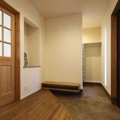 お客様の最初の入口になる玄関は、使い勝手良いスタイルをハウスカがご提案します。
