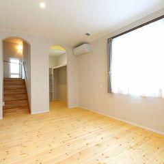 ハウスカで提案する主寝室のWICは、限られたスペースなので建具無しやロールスクリーンで対応。